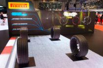 Sürücüyle etkileşim kuran renkli Pirelli lastikler